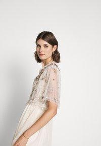Needle & Thread - PATCHWORK BODICE BALLERINA DRESS - Vestido de cóctel - champagne/gold - 4