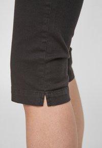 Q/S designed by - Denim shorts - black - 4