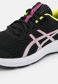 ASICS - PATRIOT 12 - Scarpe running neutre - black/hot pink - 5