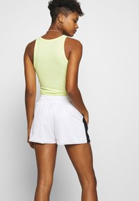 Nike Sportswear - Shorts - white/black - 3