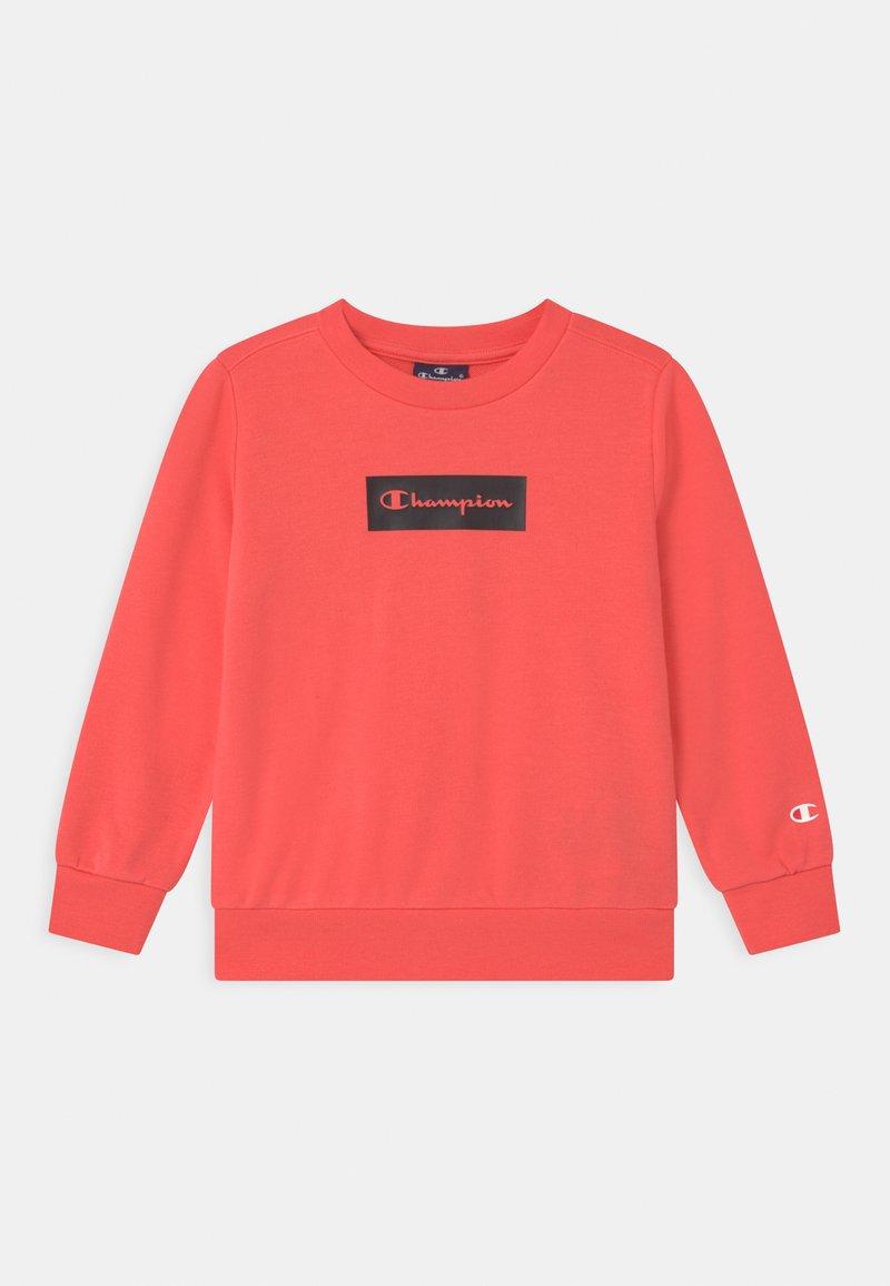 Champion - AMERICAN PASTELS CREWNECK UNISEX - Sweatshirt - coral