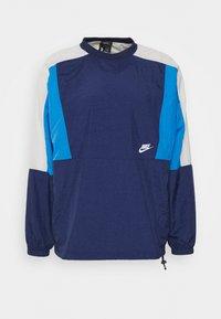 Nike Sportswear - CREW - Kurtka sportowa - midnight navy/pacific blue/light bone - 0