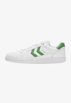 HB TEAM - Zapatillas - white green