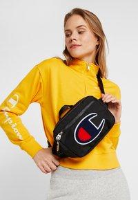 Champion - BELT BAG - Bum bag - new black - 5