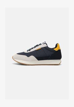 JFWZEPHYR - Sneaker low - navy blazer