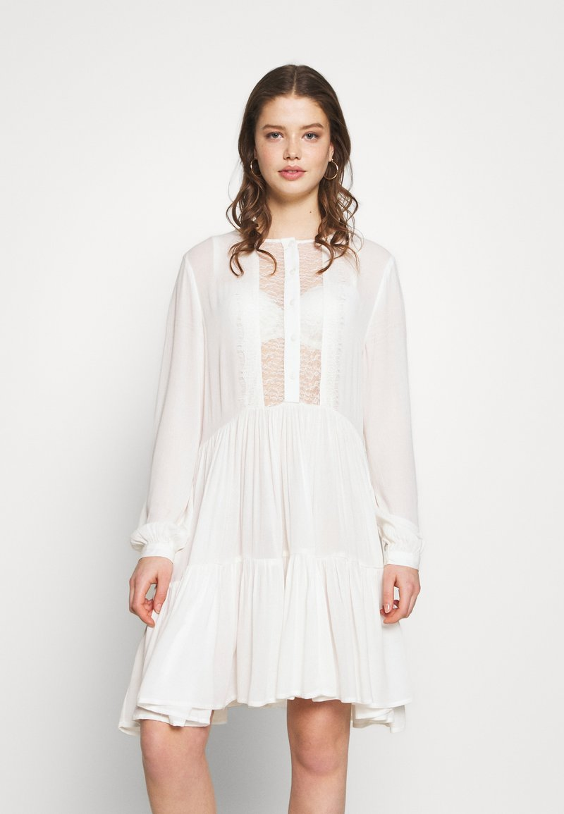 Pieces - PCNUME DRESS  - Robe d'été - bright white