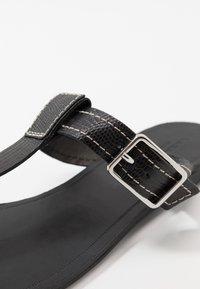 Vagabond - TIA - T-bar sandals - black - 2