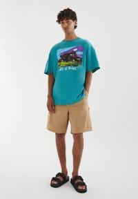 PULL&BEAR - Print T-shirt - evergreen - 1