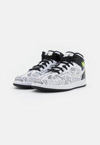 Jordan - AIR 1 MID UNISEX - Chaussures de basket - white/black/volt - 1