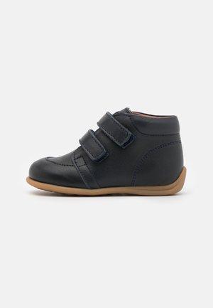 LUCA UNISEX - Zapatos con cierre adhesivo - navy