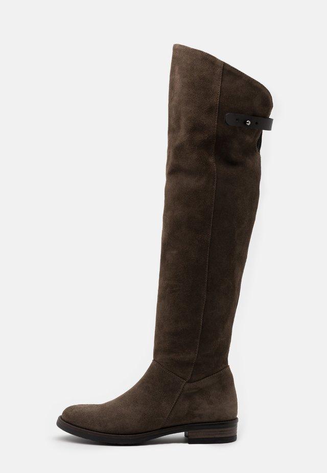 OMER - Høye støvler - coroil dust