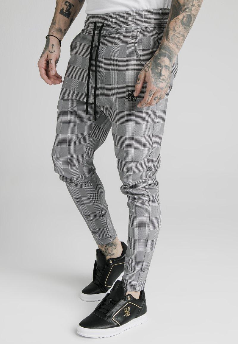 SIKSILK - SMART - Teplákové kalhoty - black/grey/white