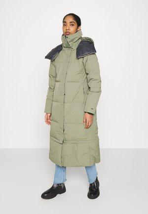 DREAM - Down coat - lav green