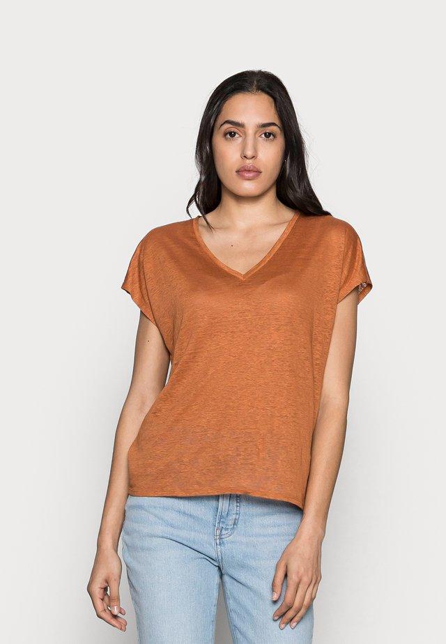 FAYLINN  - T-shirt basic - honey