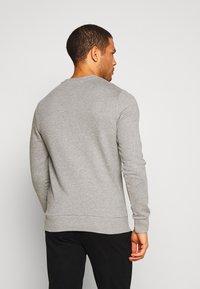 Jack & Jones - JACLOUNGE ONECK - Sweatshirt - light grey melange - 2