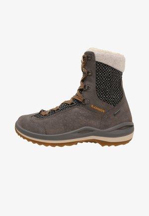 CALCETA II GTX  - Winter boots - grau/honig