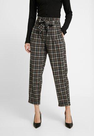 TIE WAIST HIGHEST RISE PANT - Kalhoty - starlet pink