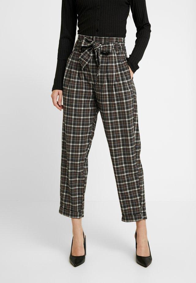 TIE WAIST HIGHEST RISE PANT - Pantaloni - starlet pink