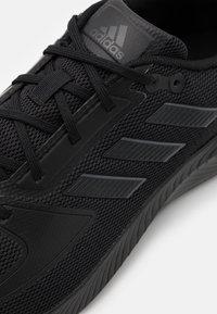 adidas Performance - RUNFALCON 2.0 - Zapatillas de running neutras - core black/grey six - 5