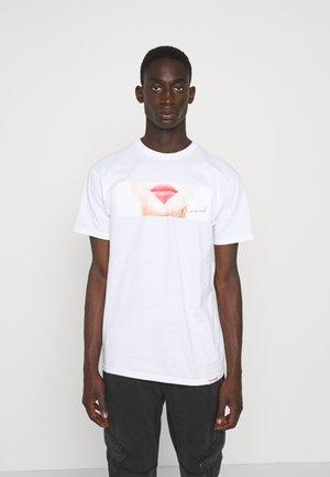 LIPS TEE - Print T-shirt - white