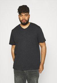 Johnny Bigg - ESSENTIAL V NECK TEE - Basic T-shirt - charcoal - 0