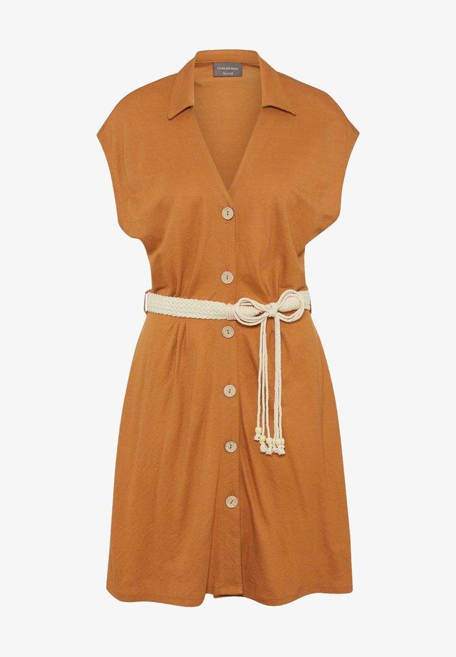 Sukienka koszulowa - havanna