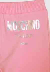 MOSCHINO - TRACKSUIT SET - Sweatshirt - sweet pink - 3
