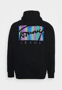 Tommy Jeans Plus - ESSENTIAL HOODIE - Mikina - black - 1