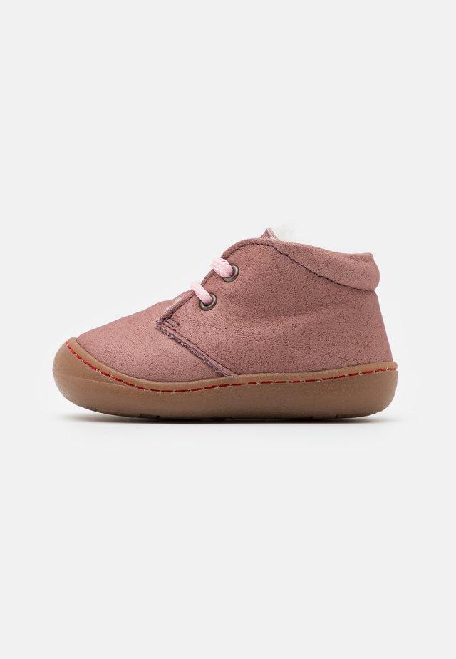 JUAN - Chaussures à lacets - malve