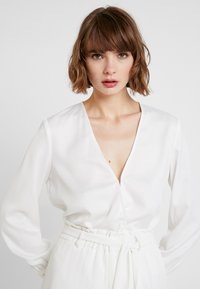 4th & Reckless - EXCLUSIVE ANIMAL SUZIE BODYSUIT - Blouse - white