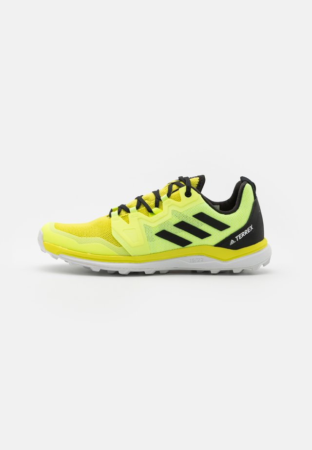 TERREX AGRAVIC RUNNING - Běžecké boty do terénu - acid yellow/core black/hi-res yellow