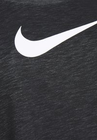 Nike Performance - DRY TEE PLUS - Print T-shirt - black - 2