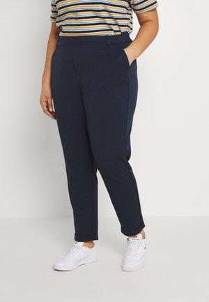 VMKAYA LOOSE SOLID PANT - Chino kalhoty - navy blazer
