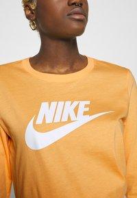 Nike Sportswear - TEE ICON - Topper langermet - topaz gold - 4