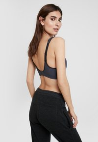 Schiesser - Sports bra - grey - 2
