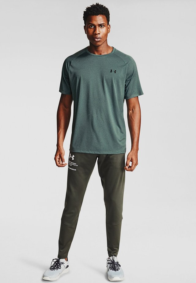 TECH NOVELTY - Basic T-shirt - lichen blue