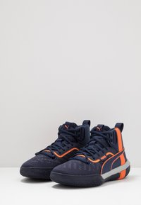 Puma - LEGACY MADNESS - Basketbalové boty - dark blue/orange - 2