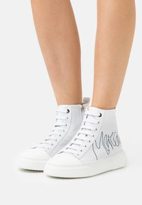 Marc Cain - High-top trainers - white/black - 0