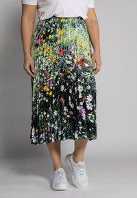 Ulla Popken - Pleated skirt - multi-coloured - 0