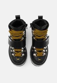 Dsquared2 - Šněrovací kotníkové boty - black - 3