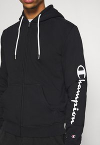 Champion - LEGACY - Mikina na zip - black - 5