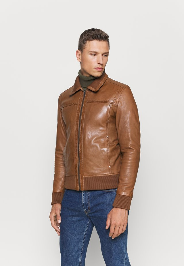 KEATON - Leather jacket - cognac