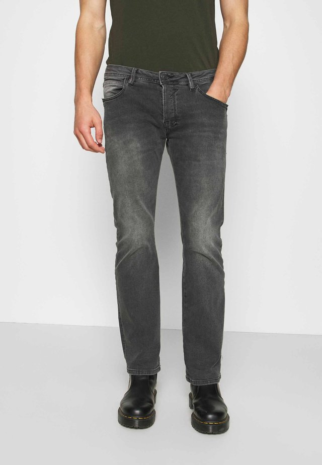 RODEN - Jeans baggy - dust wash