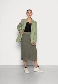 Selected Femme - SLFGAIA MIDI SKIRT - A-line skirt - kalamata - 1