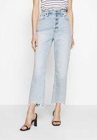 Abercrombie & Fitch - SHANK CURVE - Bootcut jeans - light destroy - 0