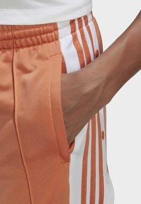 adidas Originals - ADIBREAK - Joggebukse - hazy copper - 4