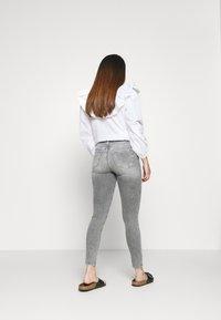 ONLY Petite - ONLBLUSH  - Jeans Skinny Fit - medium grey denim - 2