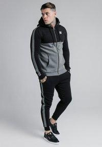 SIKSILK - CUT AND SEW ZIPTHROUGH HOODIE - Zip-up hoodie - black/grey marl - 1