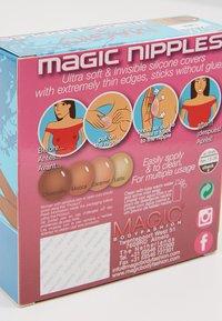 MAGIC Bodyfashion - MAGIC NIPPLES - Multiway / Strapless bra - latte - 2