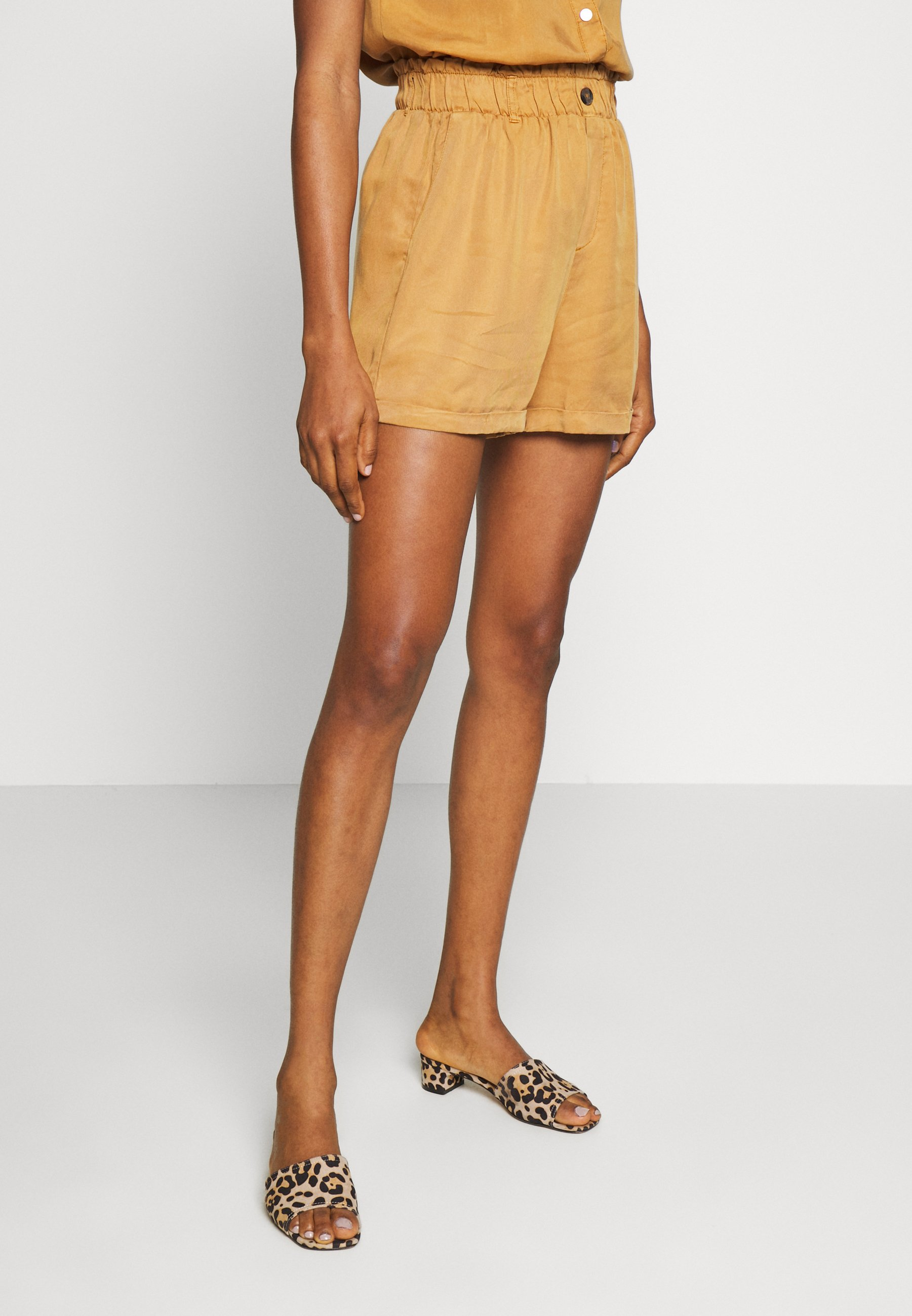 Noisy May NMMARIA Shorts brown sugar Zalando.nl